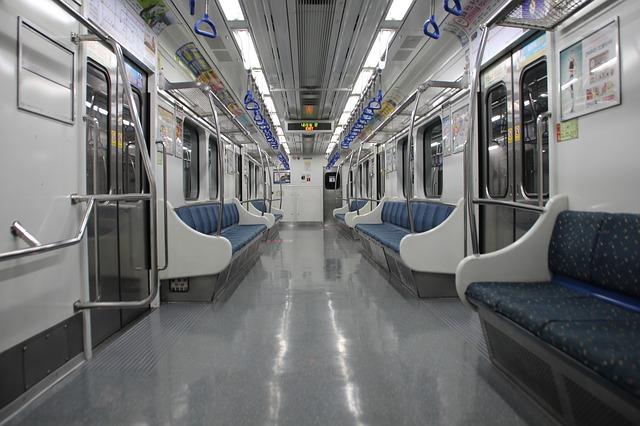 【通勤・通学】電車やバスの中で電子書籍を読むコツ